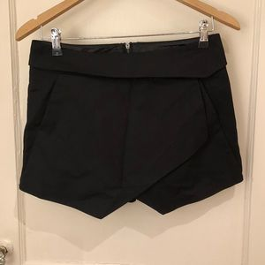 Mini Skort with overlap design and zipped back